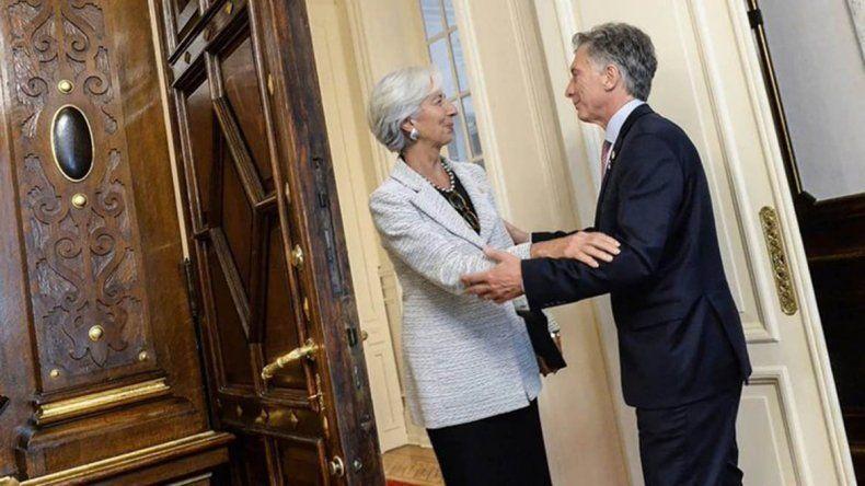 El FMI envía más fondos pero pide más impuestos y ajuste por la inflación