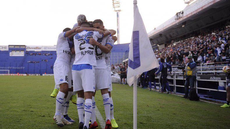 El Fortín se llenó de goles: Vélez le ganó 4-0 a Lanús