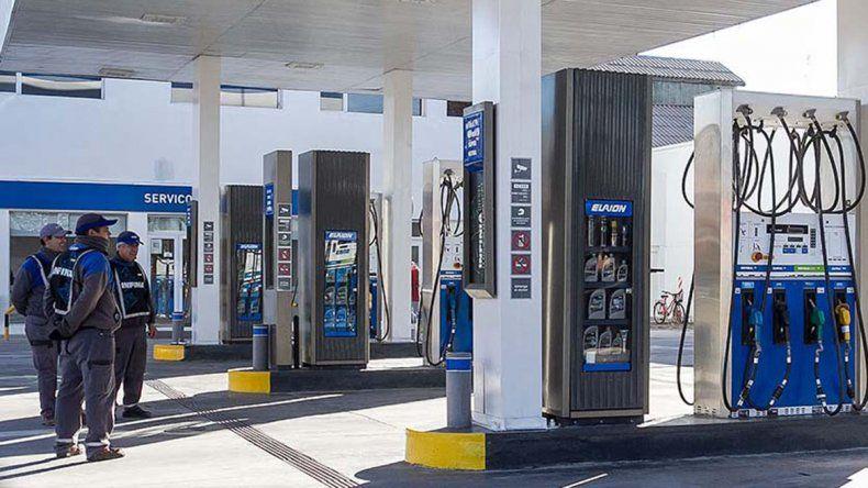 En febrero se vendió menos combustible que un año antes