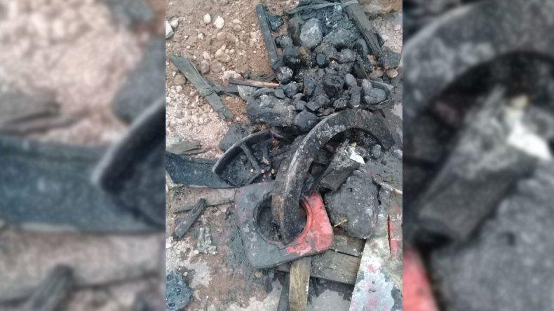 EPAS denuncia que una empresa tapó con basura las cloacas del barrio Confluencia