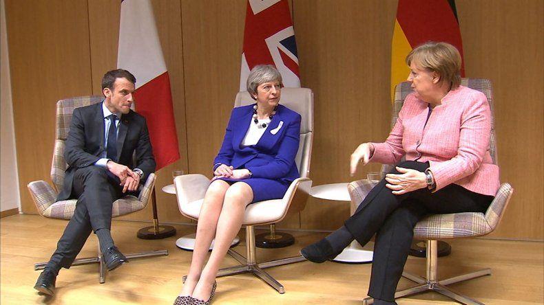 Brexit: Alemania y Francia hacen un guiño a May
