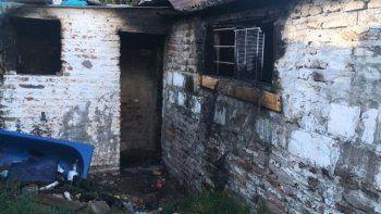 incendio la casa de su ex y sin querer quemo la del vecino