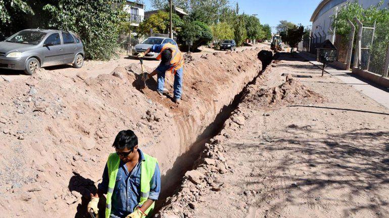 Extienden la red de agua en barrios de Rincón