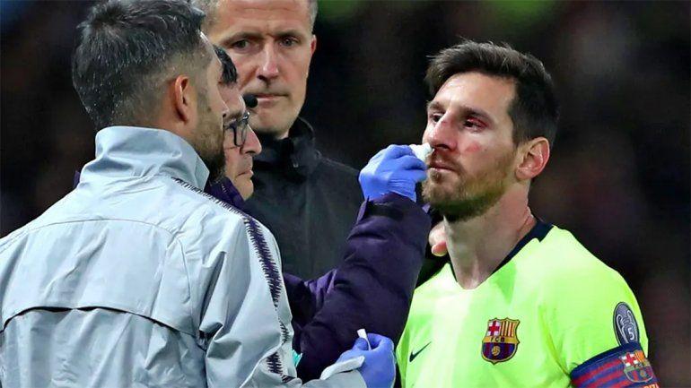 Video: así fue la dura falta contra Messi, que lo dejó con el rostro ensangrentado