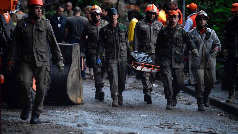 Aumentan los muertos en Río por las inundaciones