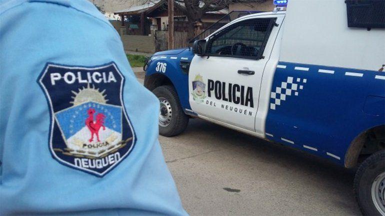 Se hicieron pasar por policías y le robaron 55 mil pesos a una familia