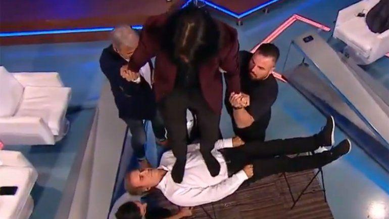 Video: Tusam hipnotizó en vivo al Cabezón Ruggeri