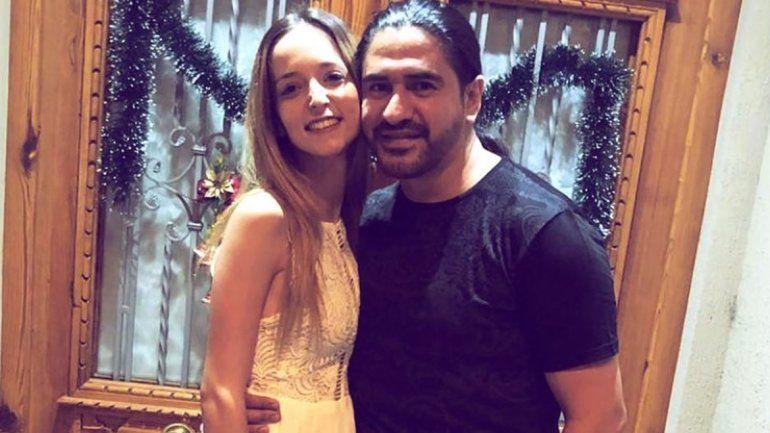 El líder de Ráfaga se casó con su novia 20 años menor