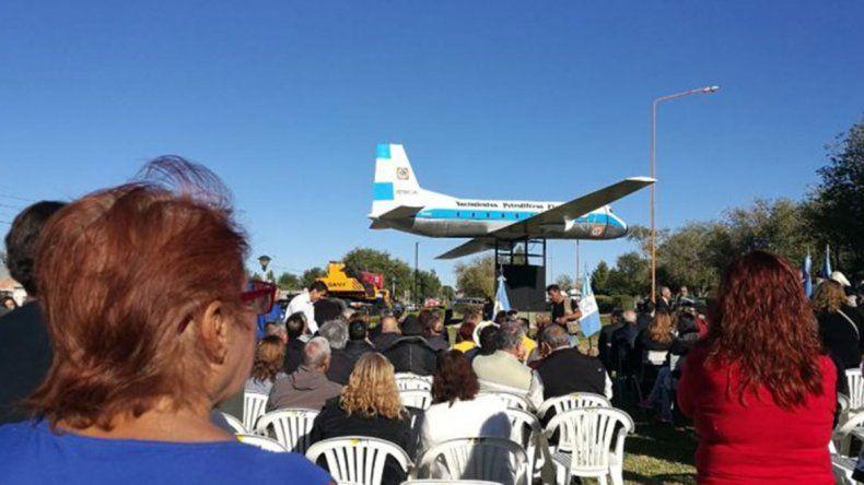 Emotivo homenaje a las víctimas del Avro 748 en Cutral Co