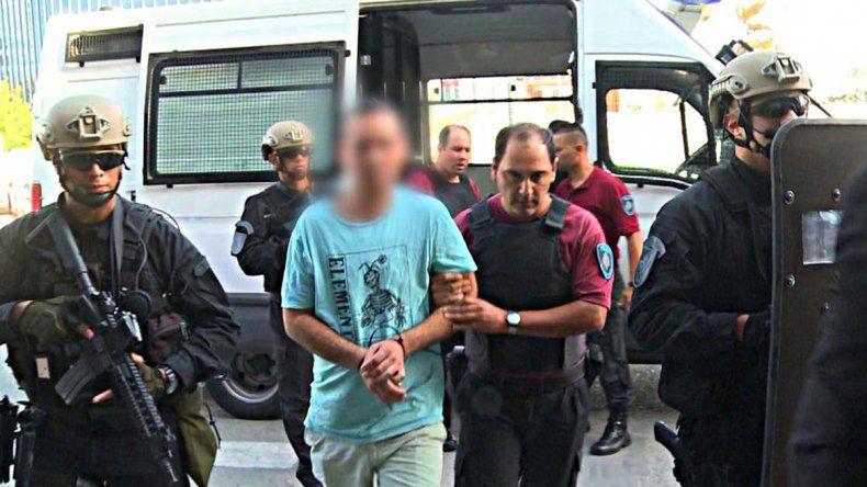 Acá deportan a un extranjero cada 13 horas por delitos