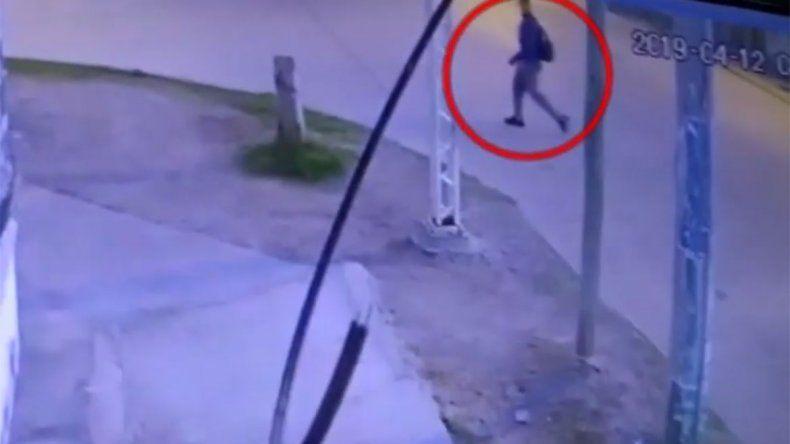 Alarma en barrio Limay por depravado que acosó a una adolescente que iba al colegio