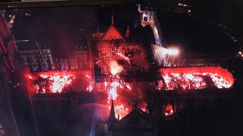 Alarma por un incendio en la catedral de Notre Dame en París