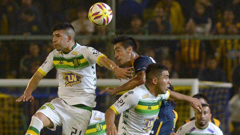 Aldosivi dio un gran golpe en Rosario y manda en la serie
