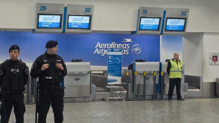 Los pilotos de avión se suman al paro del 30 de abril