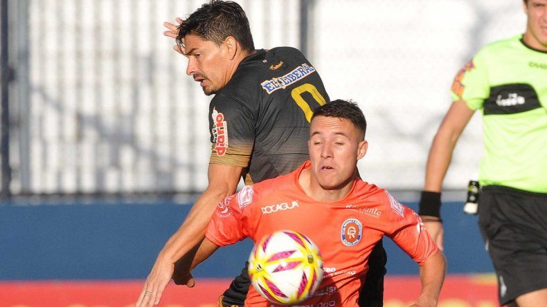 Con polémicas, Deportivo Roca perdió ante Mitre y se quedó afuera de la Copa Argentina