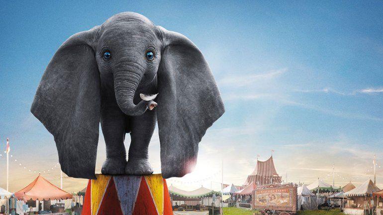 Echan del cine a nene autista que miraba Dumbo