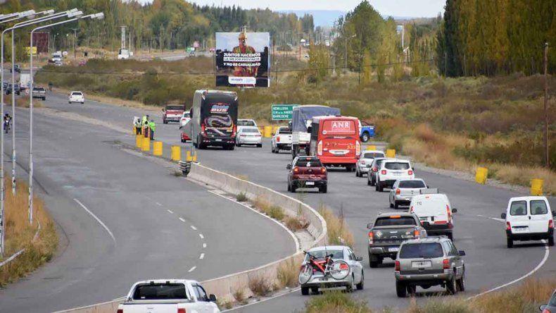 Éxodo por el finde largo: alrededor de 55 autos por minuto a la cordillera