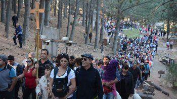 una multitud participo de la tradicional procesion en elvia christi