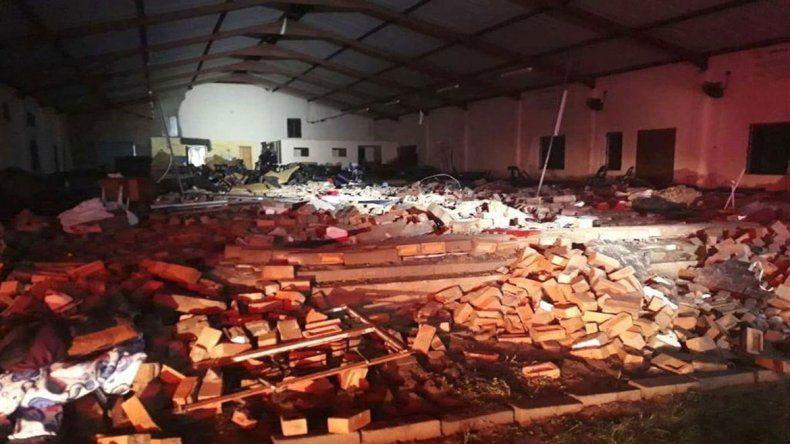 Trágico derrumbe del techo de una iglesia en Sudáfrica