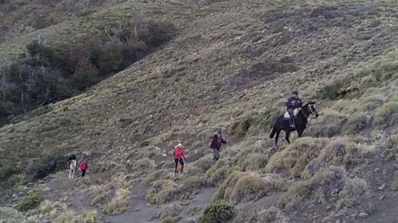 Salieron de travesía y estuvieron perdidos en la montaña durante más de doce horas