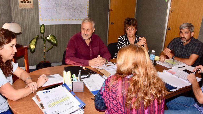 Storioni se reunió con Peressini por reclamos escolares