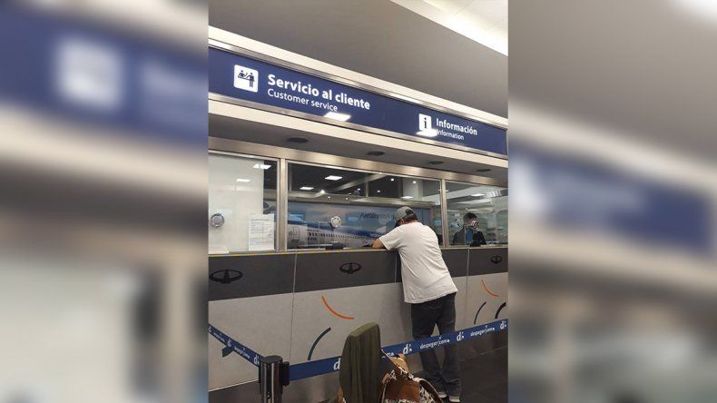 A una familia neuquina le cerraron el embarque y quedó varada en Buenos Aires