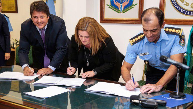 Con un convenio con la Justicia, la Policía se capacitará en violencia de género