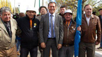 gutierrez anuncio obras en el aniversario de plaza huincul