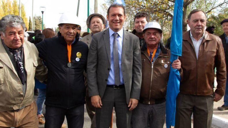 Gutiérrez anunció obras y tres nuevos cajeros en el aniversario de Plaza Huincul