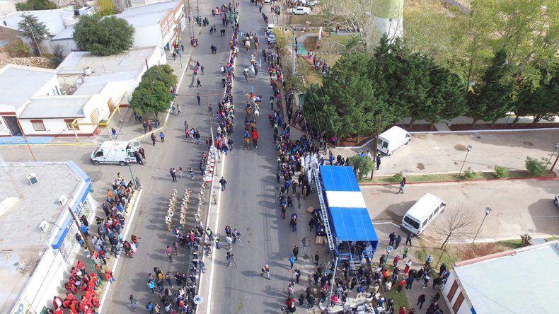 Colorido festejo de Plaza Huincul en su 53º aniversario