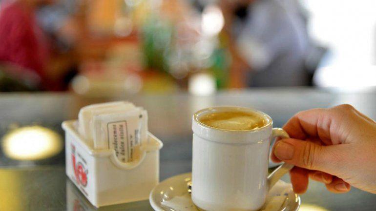Ciudad saludable: prohíben exhibir azúcar en locales de comida