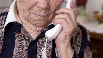 estafa telefonica: tres jubilados caen en un engano con la reparacion historica