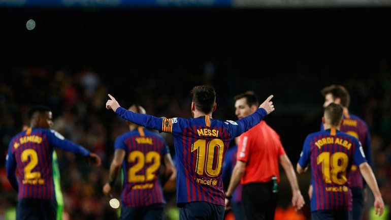 Messi volvió a frotar la lámpara y levantó su 10° título de Liga en Barcelona