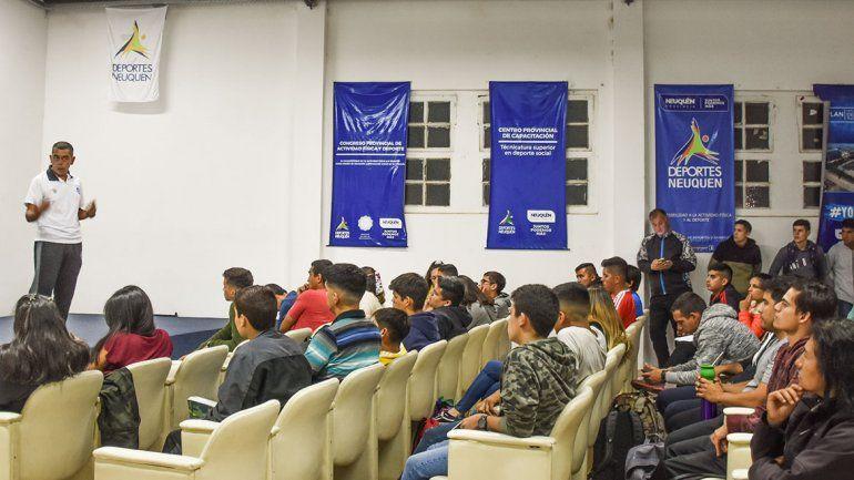 Ser árbitro, una salida laboral para los jóvenes