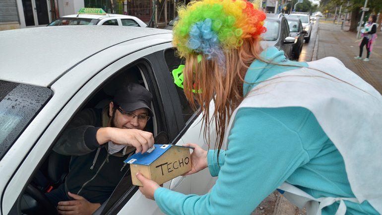 Hacen una colecta para ayudar a los barrios populares