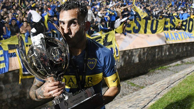Tevez: Ahora que se agarre Messi, voy por su récord
