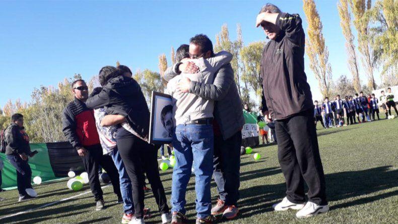 La mañana más triste y emotiva: Añelo homenajeó al arquerito fallecido