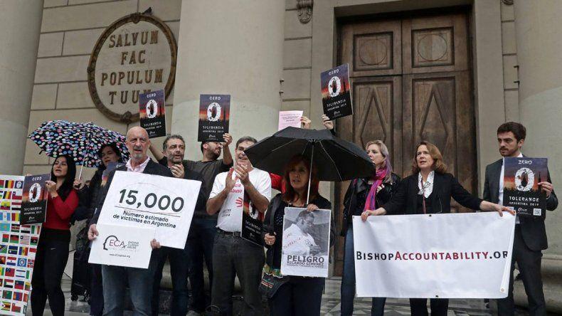 Denuncian que serían 1300 los agresores sexuales dentro de la Iglesia en el país