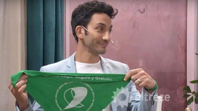 Mirtha criticó a Minujín por sacar su pañuelo verde