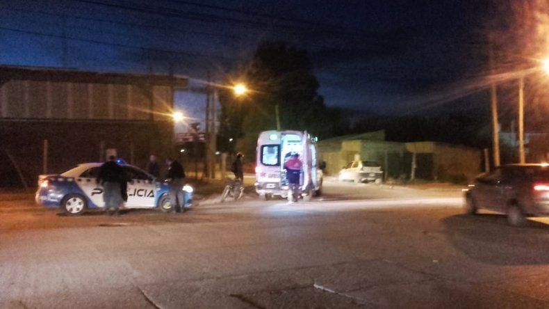 Un auto chocó a una ciclista en Combate de San Lorenzo
