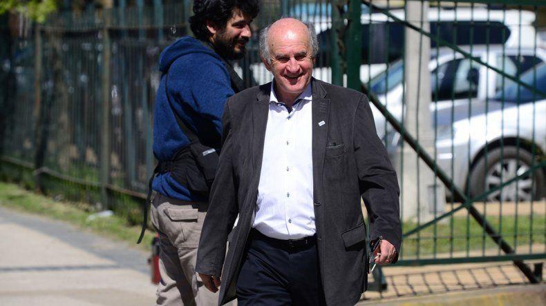 Parrilli no descarta una cumbre entre Macri y Cristina