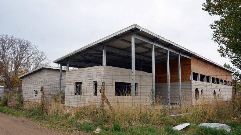 Por falta de aulas, un jardín da clases en dos escuelas