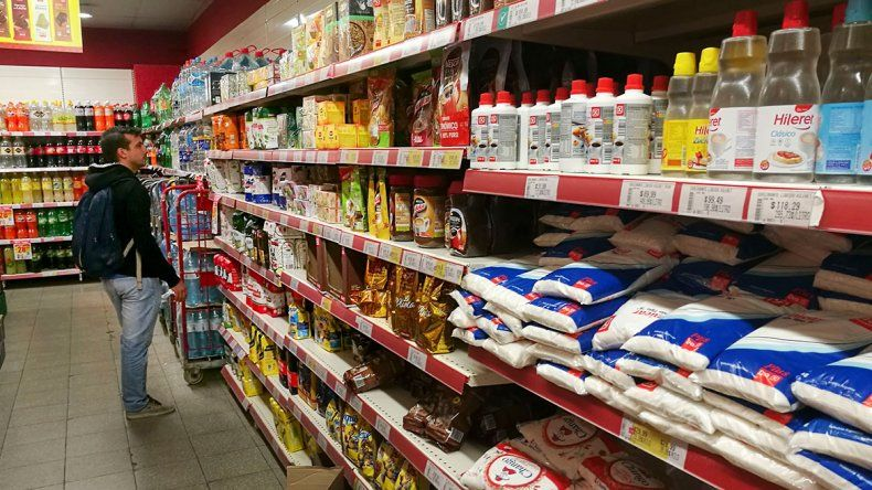 Pocos supermercados cumplen con el plan de precios bajos