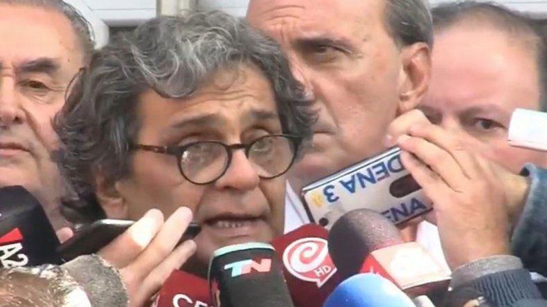 Parte médico del diputado Olivares: Está grave, con riesgo de vida