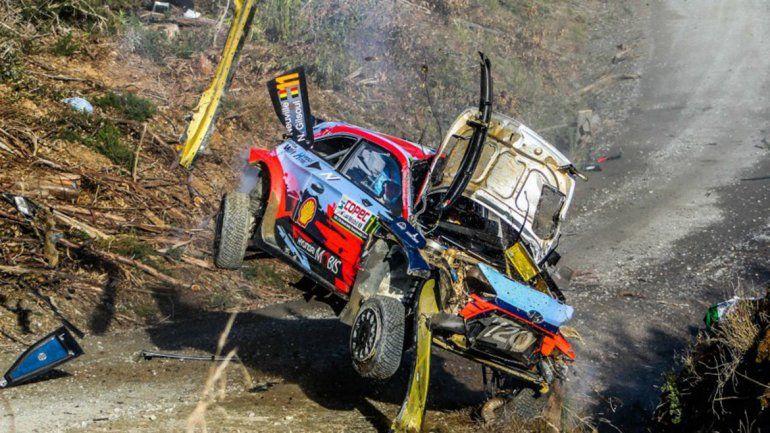 Mirá el tremendo vuelco del belga Neuville en el rally de Chile