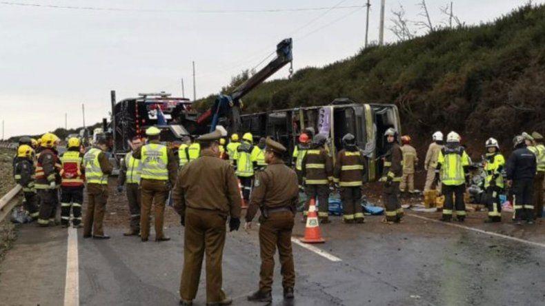 Volcó un colectivo en Chile y hay al menos 6 muertos