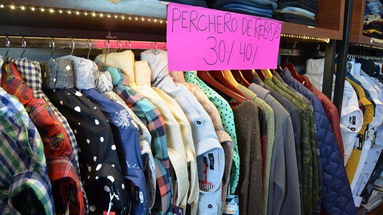 Todavía no se mueve la venta de ropa de invierno