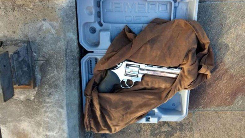 Quería ver al Presidente y fue detenido por intentar ingresar un arma a Casa Rosada