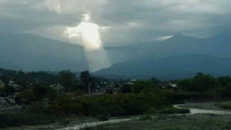Sorpresa en Jujuy por la imagen de Jesús que apareció en el cielo