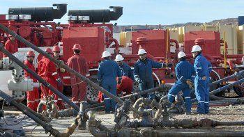 en pleno dialogo con el albertismo, petroleros van a la conciliacion